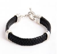 Кожаный браслет на плетеном черном шнуре