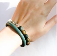 Женский серебряный браслет с бусинами