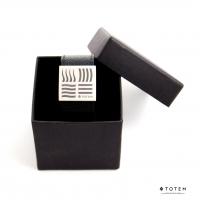 Кожаный слэп-браслет в подарочной упаковке