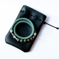 Женский кожаный браслет в мешочке из экокожи