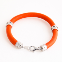Оранжевый кожаный браслет с символами